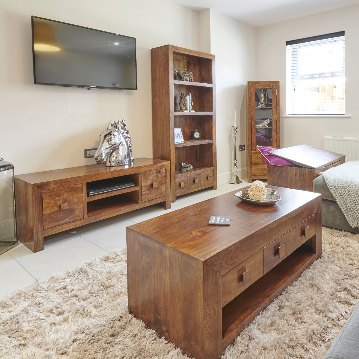 Mango Living Room Image